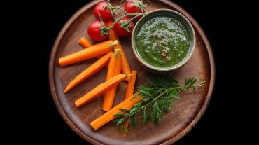 Karottenkraut Pesto