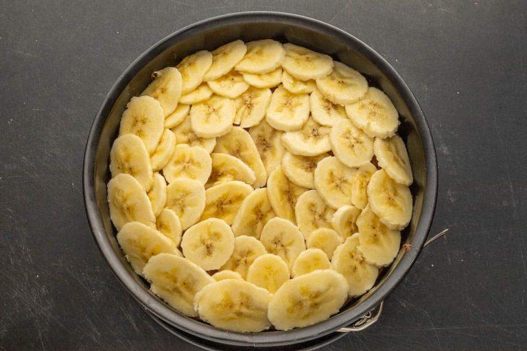 Bananenkuchen mit Topping zum Überbacken