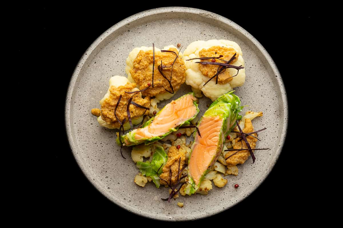 Salmon in the Oven exciting Recipe with Cauliflower for Low Carb Gourmets