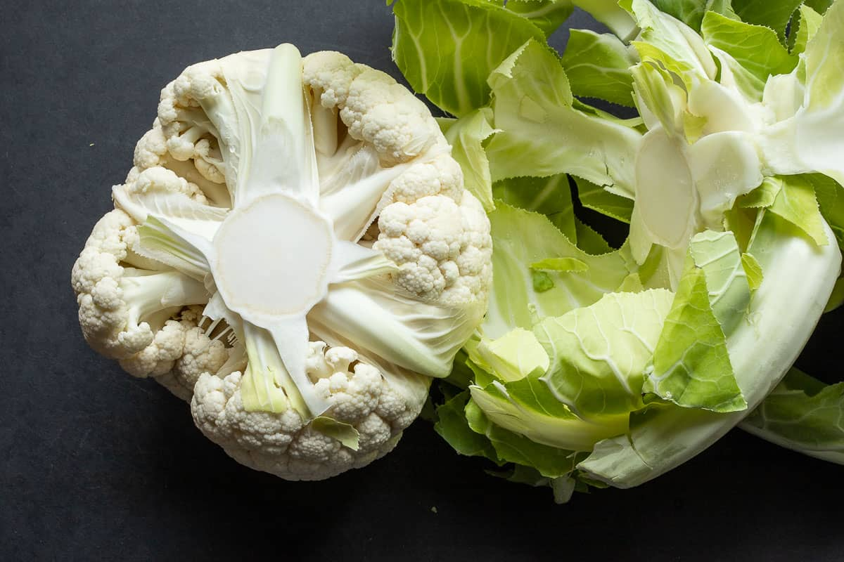 Remove the cauliflower from the leaves