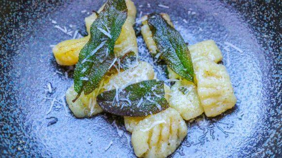 Gnocchi mit Salbeibutter Rezept Bild
