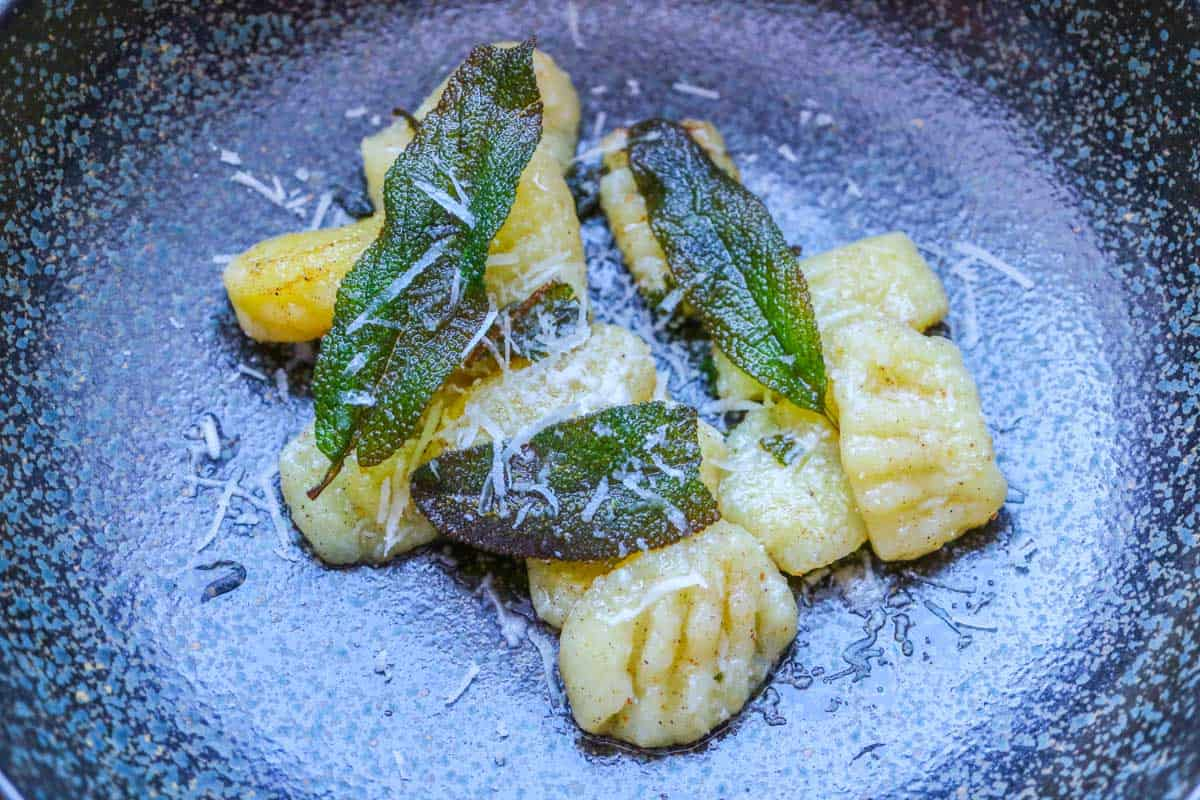 Making Gnocchi yourself, Basic Recipe with Variation Sage Butter