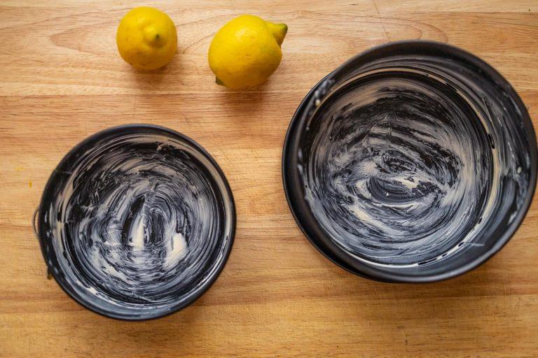 Kuchenform ausfetten