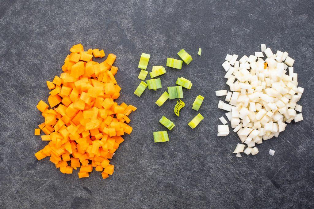 Gemüsewürfel schneiden