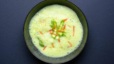 grüne spargel suppe