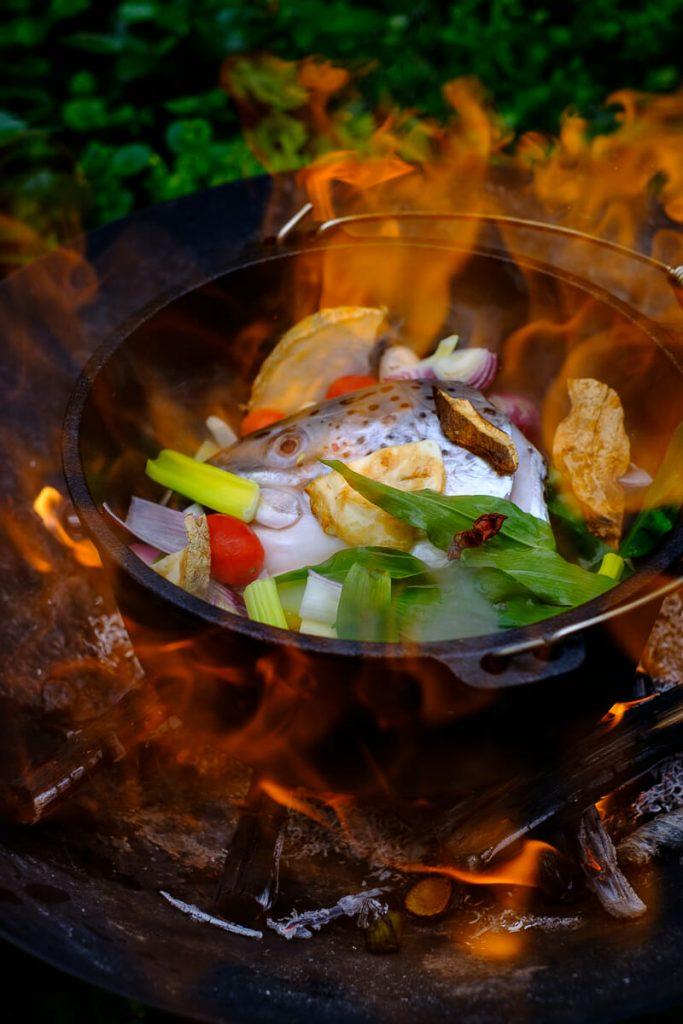 Fischsuppen Zutaten flambieren